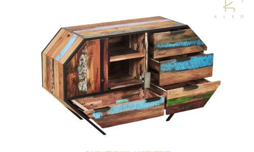 Aparador Belo de estructura metálica color negro y madera reciclada de barco, 4 cajones y 2 puertas