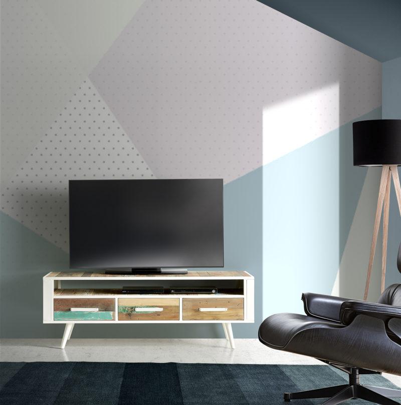 Ambiente Nordic mueble TV con estructura metálica color blanco y madera reciclada de barco, con 3 cajones